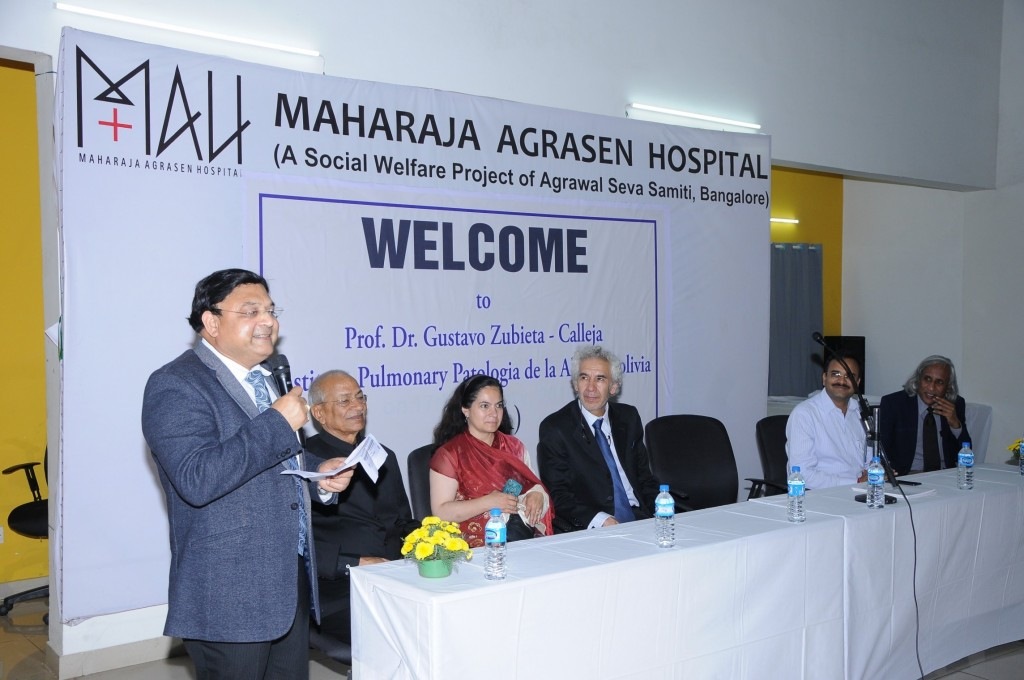 "1st Talk in the Maharaha Agrasen Hospital in Bangalore India. From Left: Dr, Satish Kumar Jain, Hopsital Direcor, Member of the Trustees, Lucrecia De Urioste, Prof. Dr. Gustavo Zubieta-Calleja, Bipin Ram Agarwal, Prof. Thuppil Venkatesh ""The Lead Man of India""."