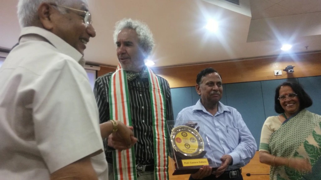 Prof. K.K. Srivastava the coordinator, on the left, congratulates and shares warm moments with Prof. Dr. Gustavo Zubieta-Calleja. with the presence of the Chancellor Prof. S.N. Gaur and Director Prof. Shashi Bala Singh at DIPAS.