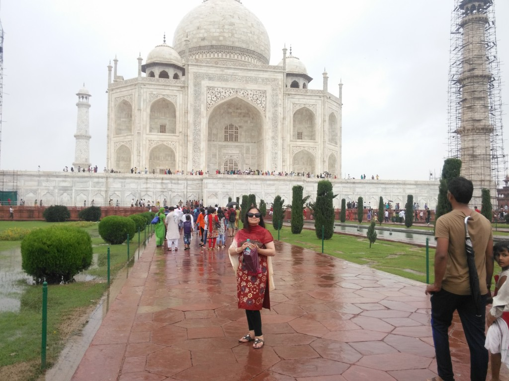 Lucretia De Urioste on our visit to the fabulous Taj Mahal.