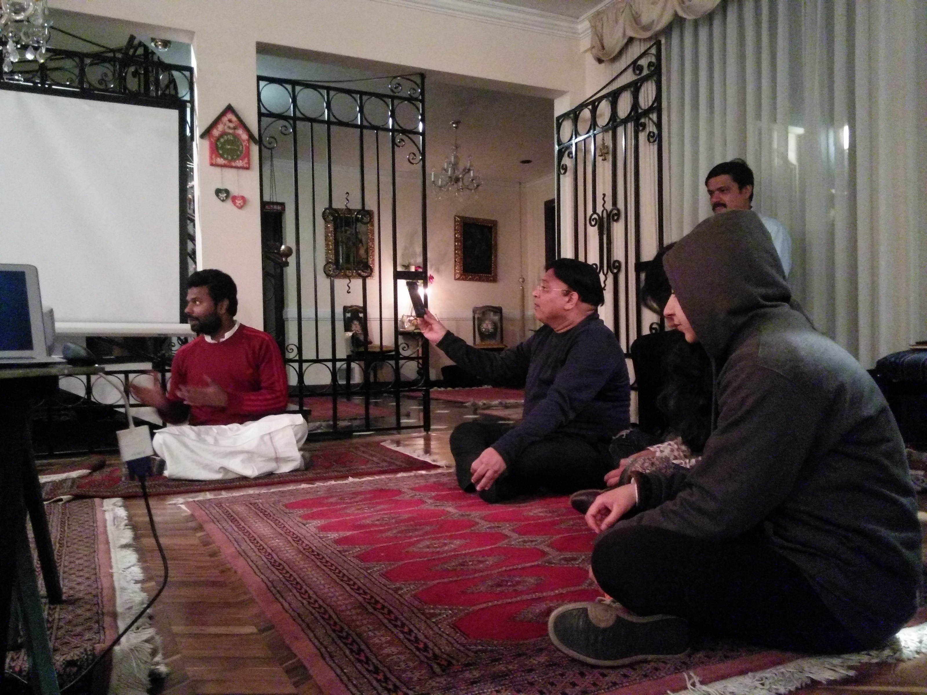 Nam Deo's meditation session in the closing dinner.